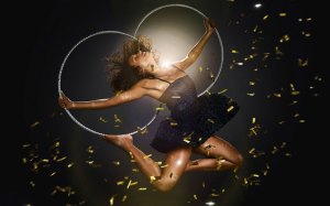 15-La-Soiree-Michele-Clark-on-Hula-Hoop_Photo-Credit-GOP-Variety