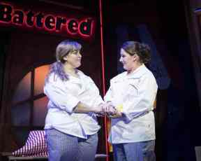 Jodie-Prenger-and-Sam-Bailey-for-Kay-Mellors-Fat-Friends-the-Musical.-Photo-by-Helen-Maybanks.-001-1024x819