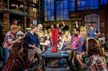 kinky-boots-london-company-2017-2018-photo-by-matt-crockett-6417RT