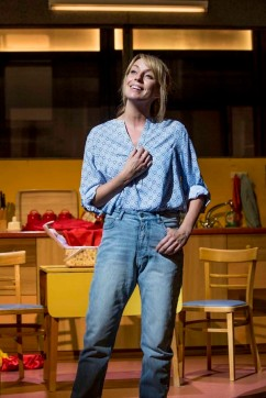 Rebecca_McKinnis_Margaret_in_Everybody_s_Talking_About_Jamie_at_the_Apollo_Theatre._Photo_credit_Johan_Perrson_qvvgep