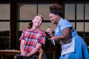 3.-Waitress-Adelphi-Theatre-Jack-McBrayer-Ogie-and-Marisha-Wallace-Becky-Photographer-Johan-Persson_tjdegk