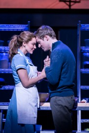 7.-Waitress-Adelphi-Theatre-Katharine-McPhee-Jenna-and-David-Hunter-Dr-Pomatter-Photographer-Johan-Perssonv1_ggnzef