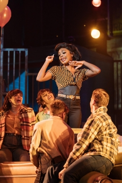 Rhianne-Louise_McCaulsky_(Rizzo)_in_the_UK_and_Ireland_tour_of_GREASE,_credit_Manuel_Harlan_1000_1500