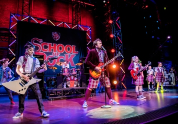 Recast photographs showing School Of Rock @ New London Theatre. (Taken 8-12-17) ©Tristram Kenton 12-17 (3 Raveley Street, LONDON NW5 2HX TEL 0207 267 5550 Mob 07973 617 355)email: tristram@tristramkenton.com